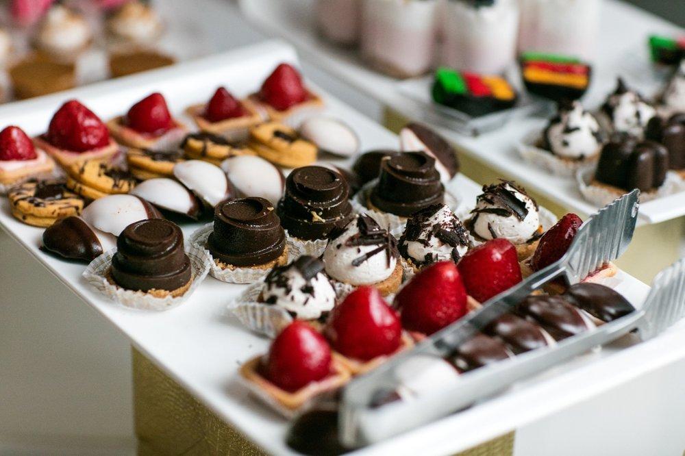 Aroma Catering Desserts.jpg