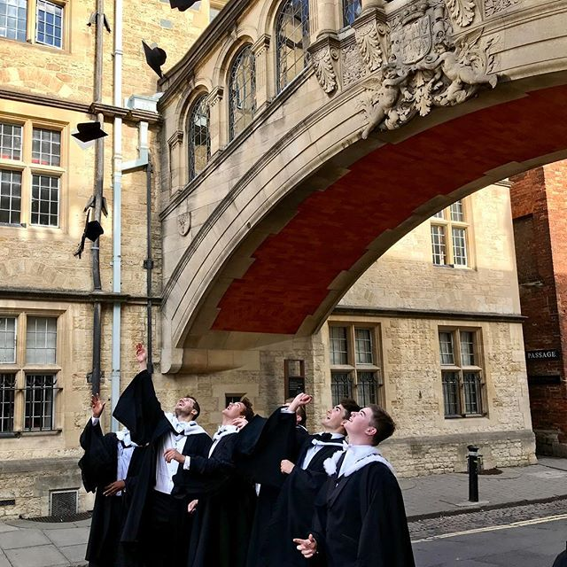 New College graduation today! #oxforduniversity #newcollegeoxford #newcollege #hillaryjameswedding
