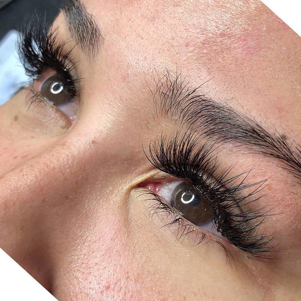 faux Mink eyelash extensions -