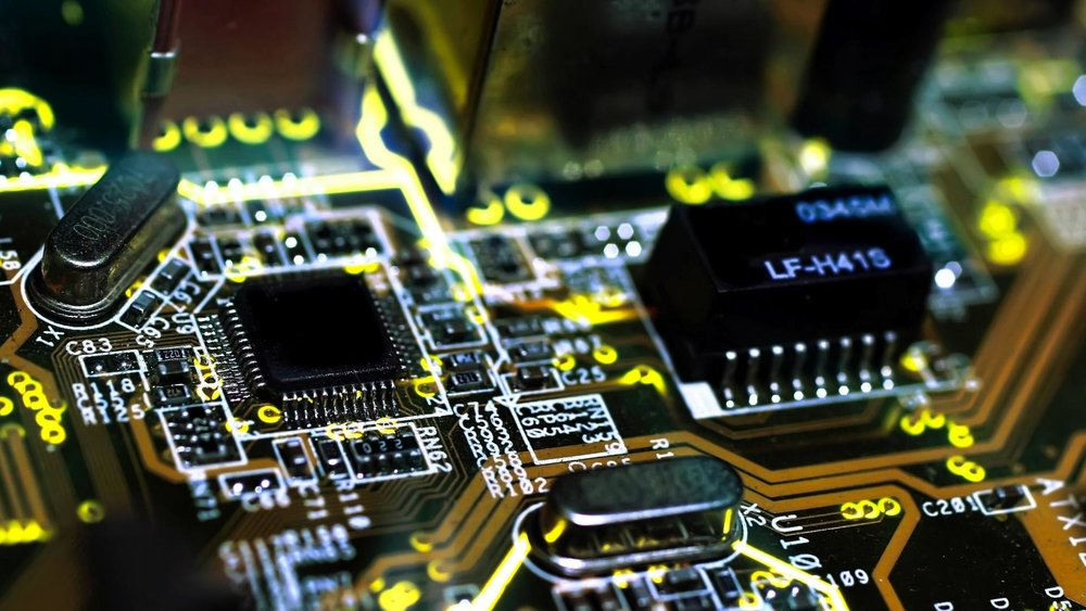 Hardware Repair - $125.00 Complicated Fix: When the operating system is not the problem, your hardware may be out of wack. Our talented technicians will take a look and help evaluate the damage and come up with a speedy solution.