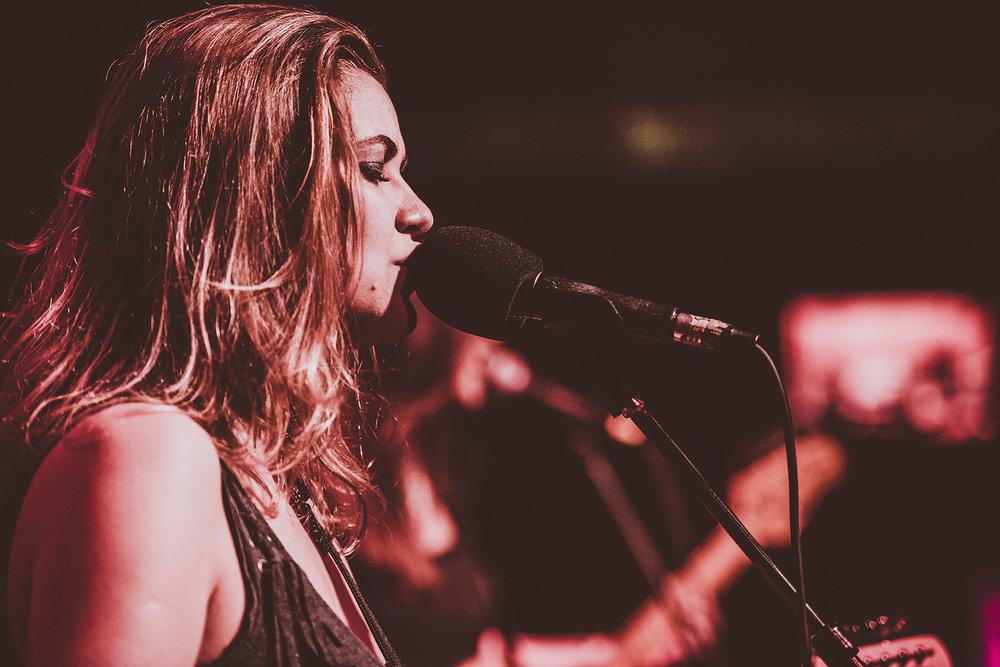 guitar-singer-tatiana-performs-live.jpg