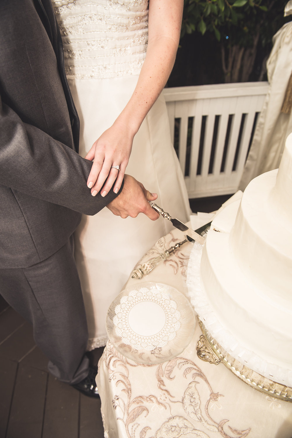 bride-groom-cutting-cake.jpg