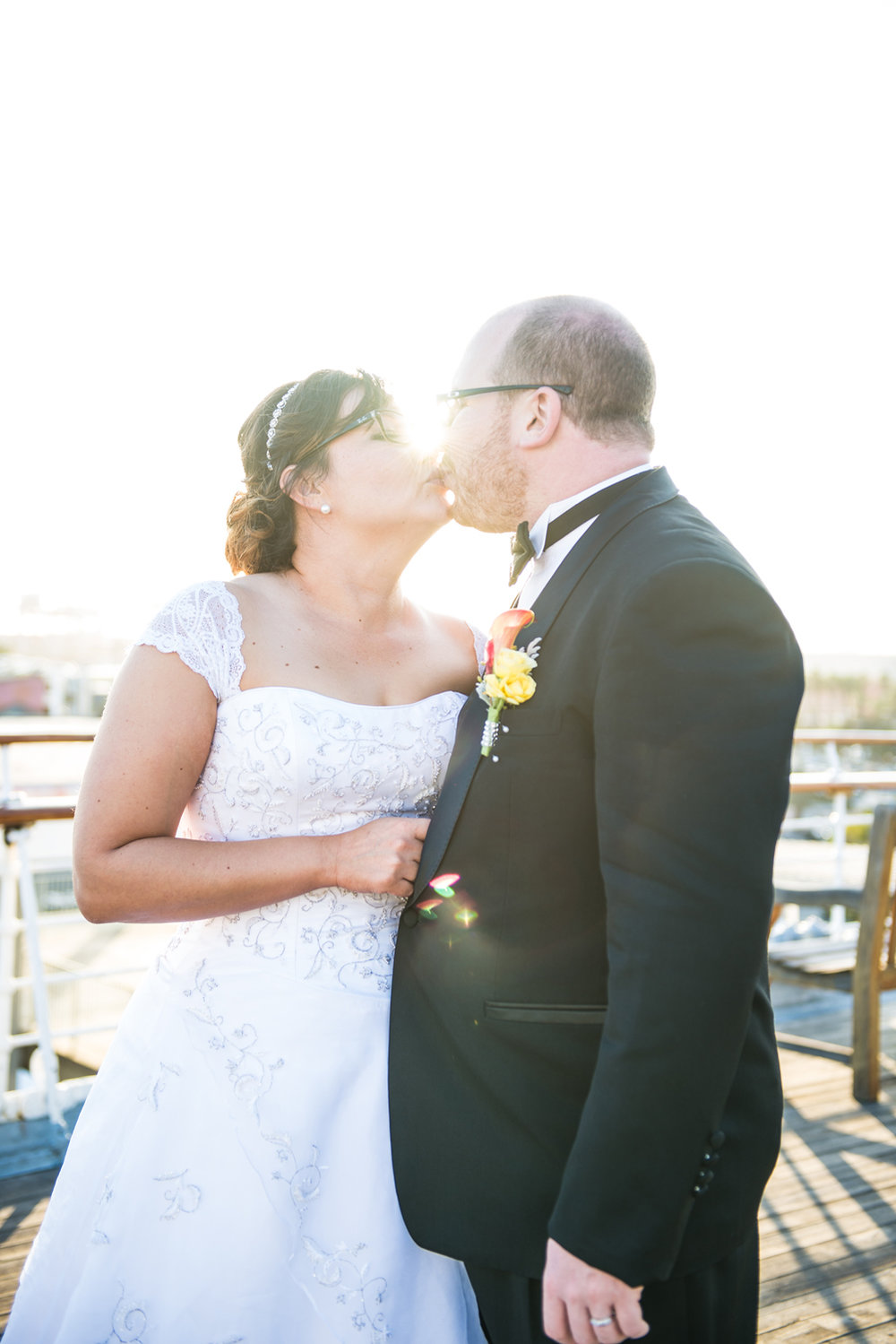 bride-groom-portrait-kiss-queen-mary.jpg
