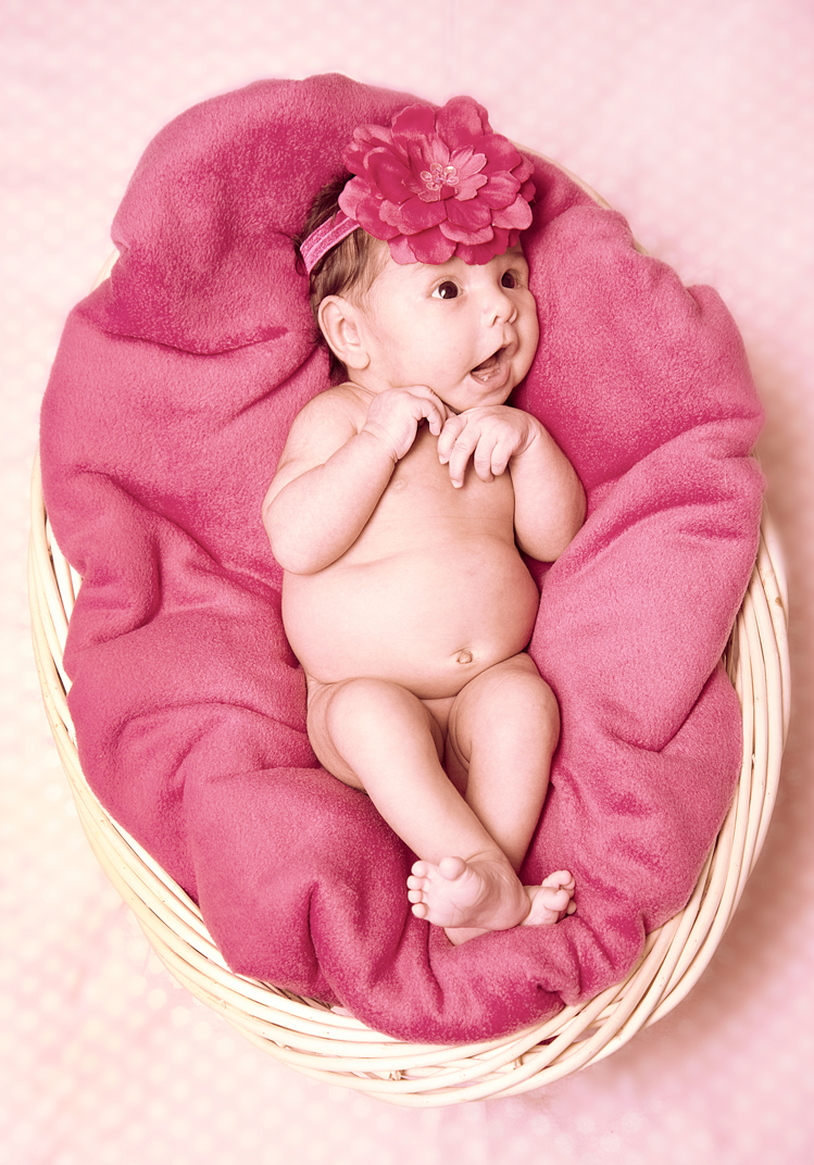 baby-newborn-basket-bow.jpg