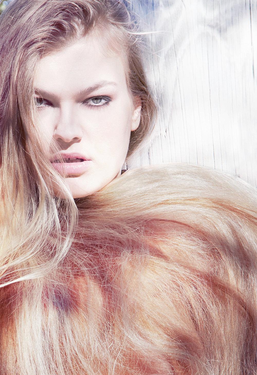 model-full-hair.jpg