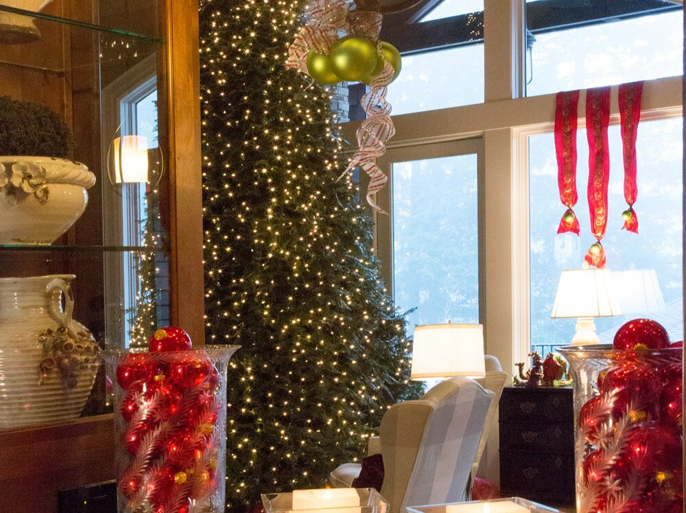 Lord Interior Design - Pete's Mountain Holiday Decorating-64.jpg