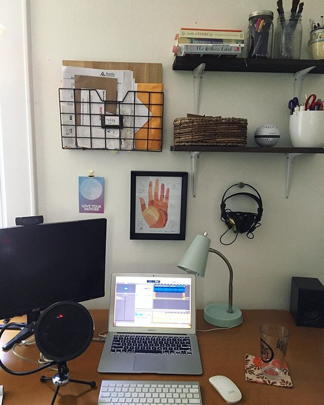 The desk of a very busy podcaster bee 🐝 Hard at work on new interviews for next season! • To finish out the summer I'm going to be sharing a series of mini episodes, where I have some A's to your Q's you all sent me. • First mini episode is live🎧 and we're talking about how to tell our friends and fam about our #edrecovery. • Psssst! Thanks @bewithcards for the beautiful watercolor print from @rebsro • • • #everybodyisbeatiful #mentalhealth #haes #losehatenotweight #eatingdisorderrecovery #selfcare #deskdecor #recovery #antidiet #health #wellness