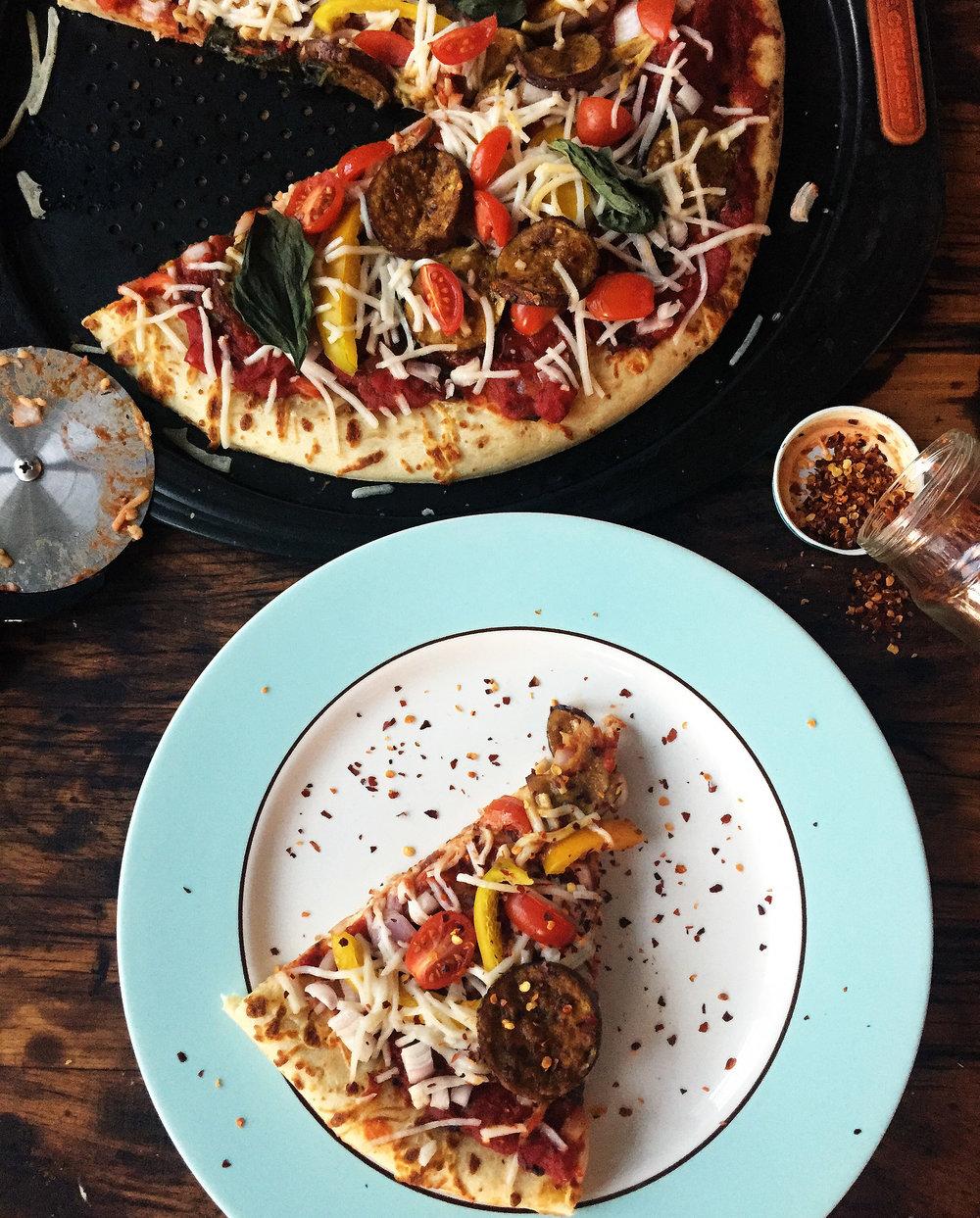Vegan White Pizza w/ Dairy Free Mozzarella, Truffle + Roasted Garlic ...