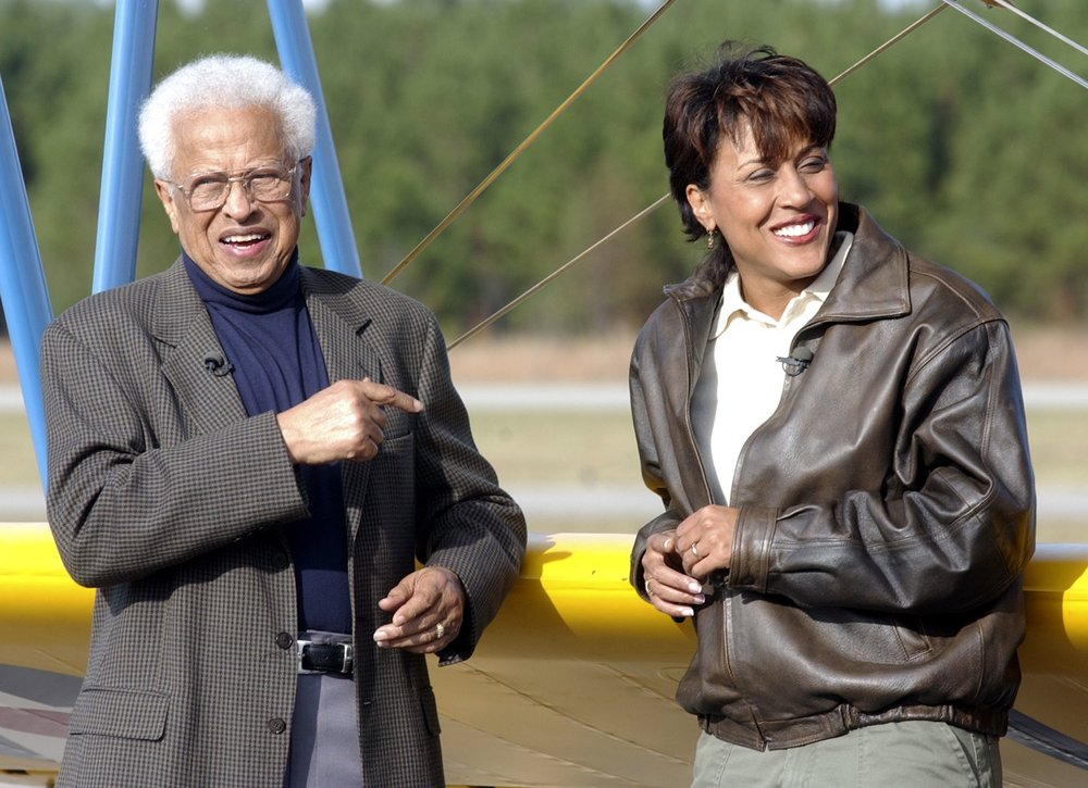 1 Robin Roberts & Colonel Lawrence Roberts.jpg
