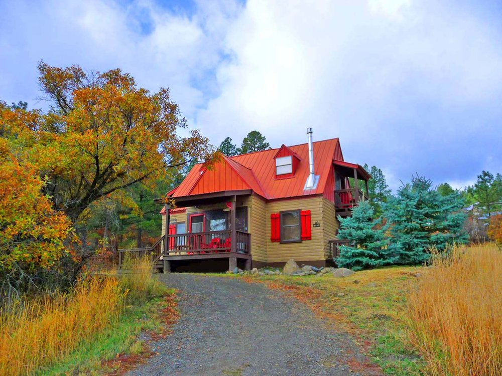 Acorn Cottage Fall Frt 2015 3.jpg