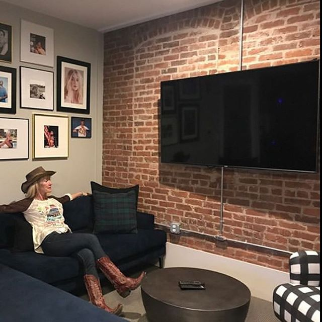Happy you are enjoying one of our special suites #thecody with a Large size TV, kitchen, 2 Queen beds and an original fireplace. @cowgirltravels #enjoy #comeback