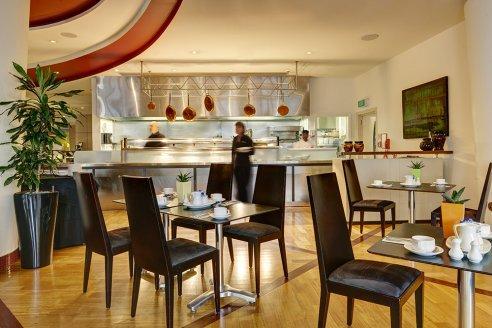 ZEST RESTAURANT AND BAR, CITYLIFE HOTEL - Auckland CBD
