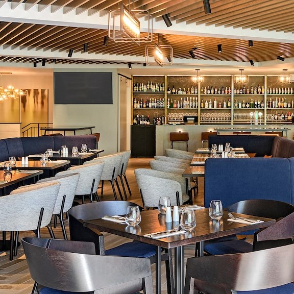 queen's head bar & eatery, four points by sheraton - Central Auckland