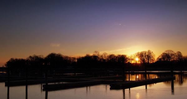 Sunrise_over_Glen_Island_by_kargas26.jpg