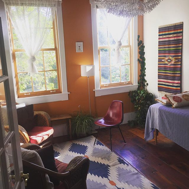 And with the new comes saying goodbye to the old... To the many warm afternoons with sunlight streaming in, listening to the creek and caring for growing families. Here's to all the babies who visited me at Ohlone throughout their gestations! #prenatalcare #homebirth #midwifery