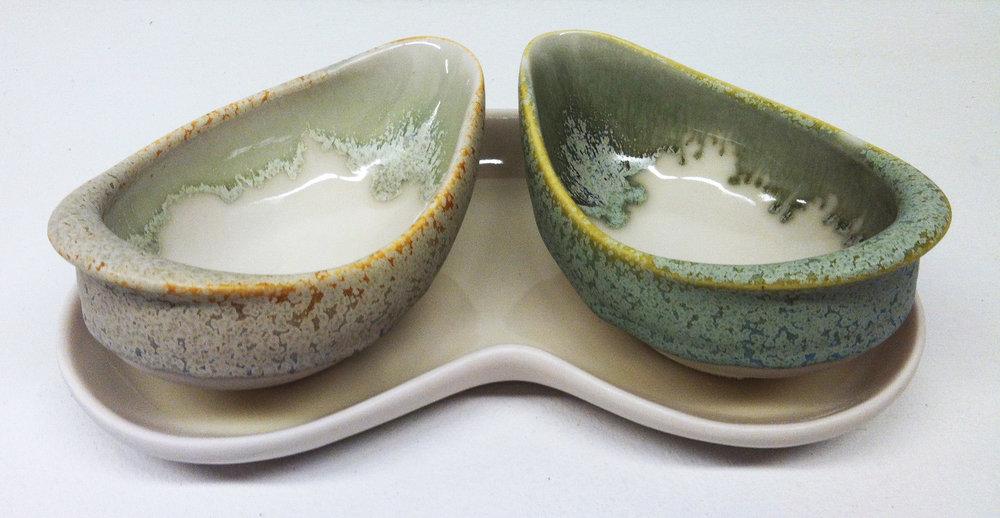 feeding vessels on a tray.