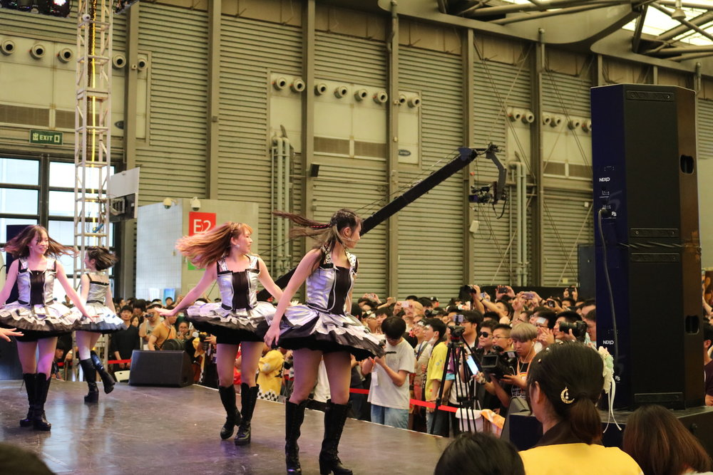 Though watching otaku SNH48 fans go rabid did help elevate the fun of that stage at least.