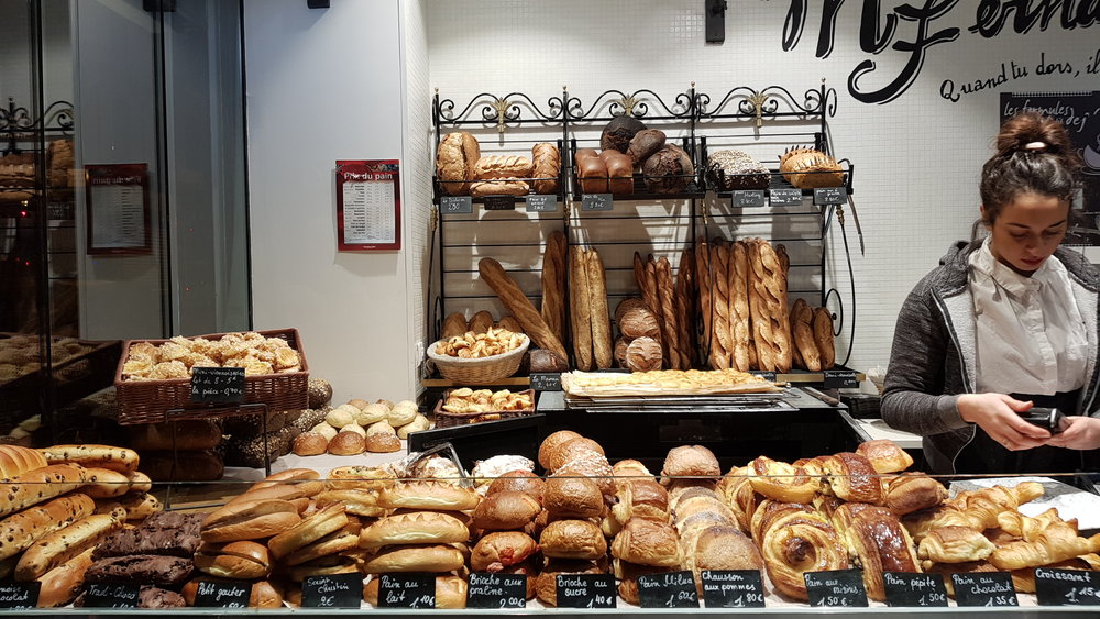 Though for all its morning beauty, Paris in Winter seems to wake up super late. It took a lot of searching on the first day to find a boulangerie that was actually open at 7am.