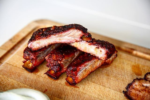 Yes, our Mesquite Smoked Ribs are finger lickin' good and you want them catered to your next event 😉 #austinwedding #atxfoodie #corporateevents #summerbbq #atxcatering #bbq #austinbbq #austinfoodie #macandcheesefest #atxbbq #driftwoodwedding #courtneyscatering #atxfoodblogs