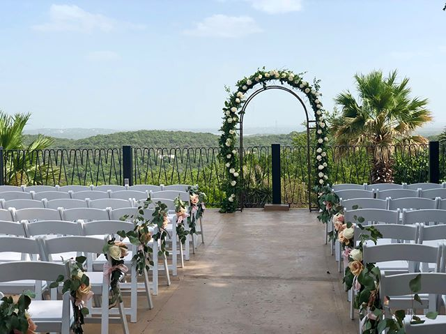 Pretty pictures from a beautiful wedding over at @villa_antonia Congratulations to Natalie & Michael ❤️ #becomingbracamontez #bridesofaustin #austinfoodie #austincatering #austinfoodstagram #austinwedding #txwedding  #atxwedding #hillcountrywedding