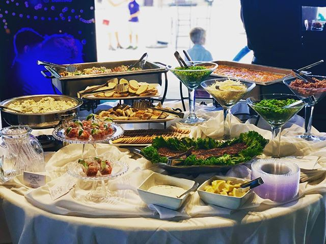 A HUGE congratulations to our friends at @celebrino_event_center on their grand opening!!! Check out our spread - Crab Stuffed Chicken with Sherry Cream Sauce, our famous 5 Cheese Mac and Cheese Bar, Spinach Artichoke Dip, Gulf Coast Ceviche Shooters and last but not least our Blackened Salmon with Dill Cream Sauce 😋😋😋 #bridesofinstagram #bridesofaustin #weddingseason #austinfoodie #austinwedding #austincatering #austinfoodstagram #atxfoodie #driftwoodwedding #grandopening #celebrinoevents #courtneyscatering