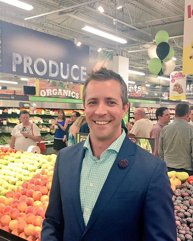 Congratulations to @saveonfoods for opening up a brand new store at Richmond Square! Happy to see a new #Ward6 business! Grand opening is tomorrow at 7am! #yyc #yyccc #yycbiz
