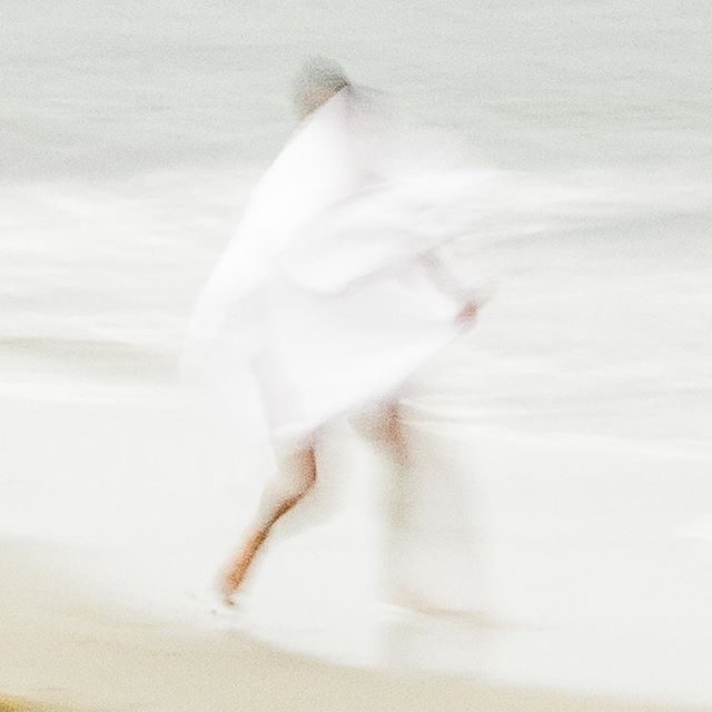 """WHITE SURF"" - Kyle  #guidoluciani #guidolucianiphotography #fineartsphotography #movement #dancephotography #malemodel"