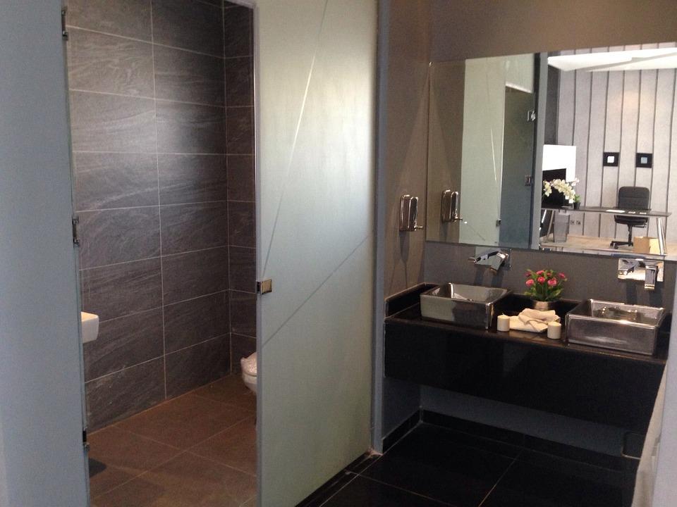 bathroom-437210_960_720.jpg