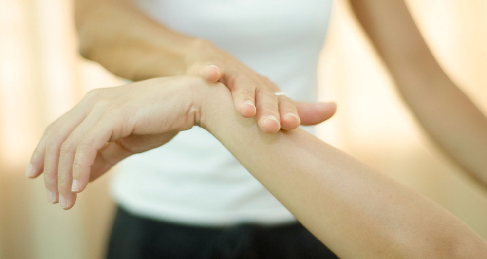 kinesiology sessions - One on one kinesiology sessions available in Clovelly and Coogee, Sydney.1 hour session: $120