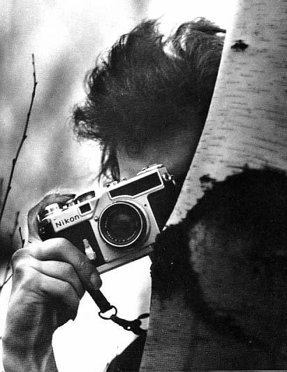 rm409 :     Bob Dylan with Nikon rangefinder      ALWAYS room for Bob on this blog.