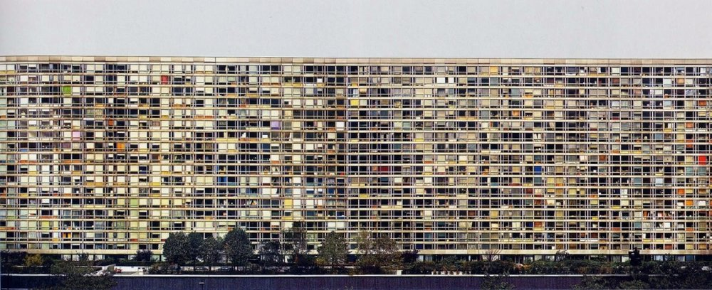 Andreas Gursky (b. 1955) - Paris, Montparnasse     http://www.bbc.com/culture/story/20140922-how-to-take-photos-of-buildings?ocid=global_bbccom_email_22092014_culture    Buildings:     Mirrors of society     Capture the calm of tradition     Discover the abstract     There is beauty in decay     Architecture is all around