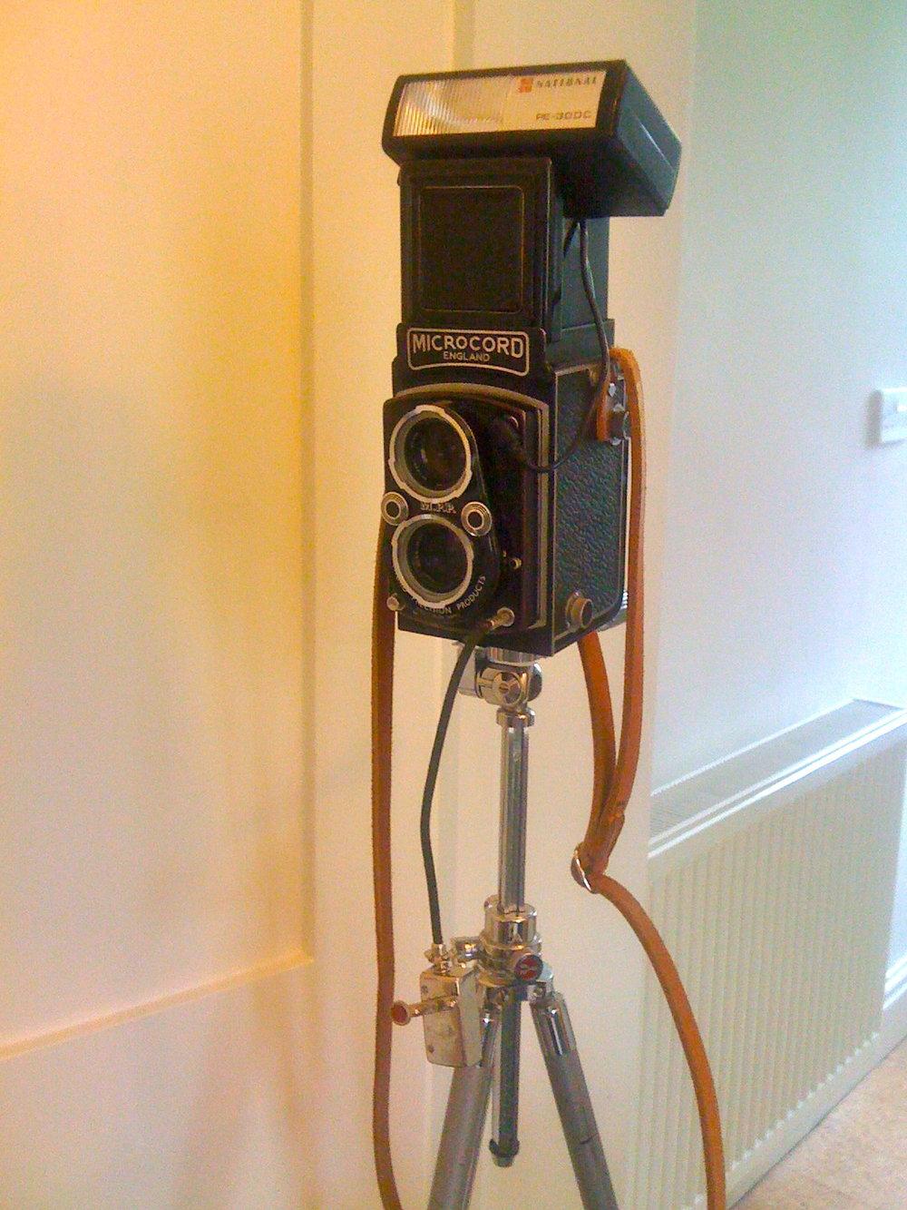 Super Dork-Tastic Self Portrait Rig…     MPP Microcord   Leningrad 8 Meter   Yashica Tripod   National Flash   Haka Autoknips