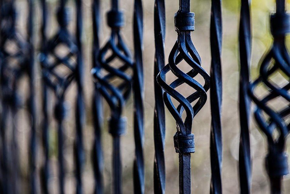 GATES & RAILING