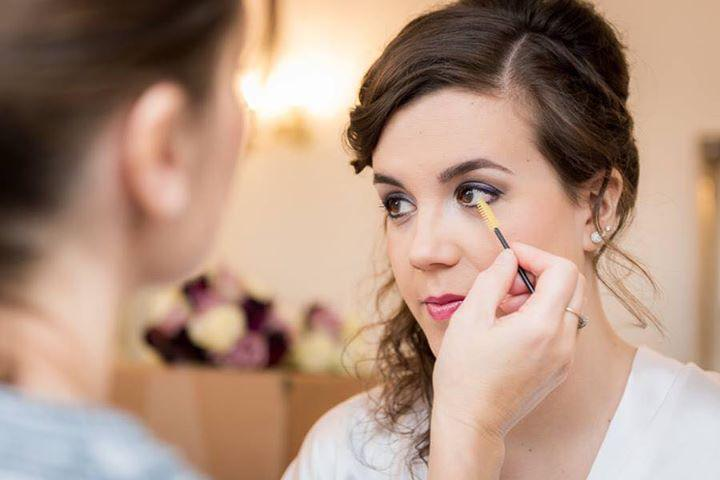 What is the perfect wedding makeup