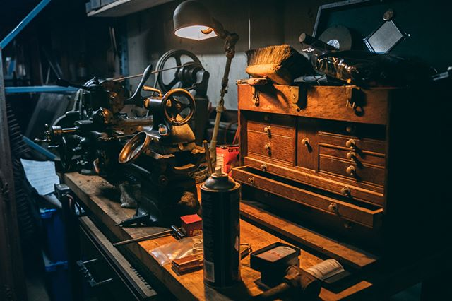 Every angle of @jimmydiresta 's shop is so nice and inspiring!