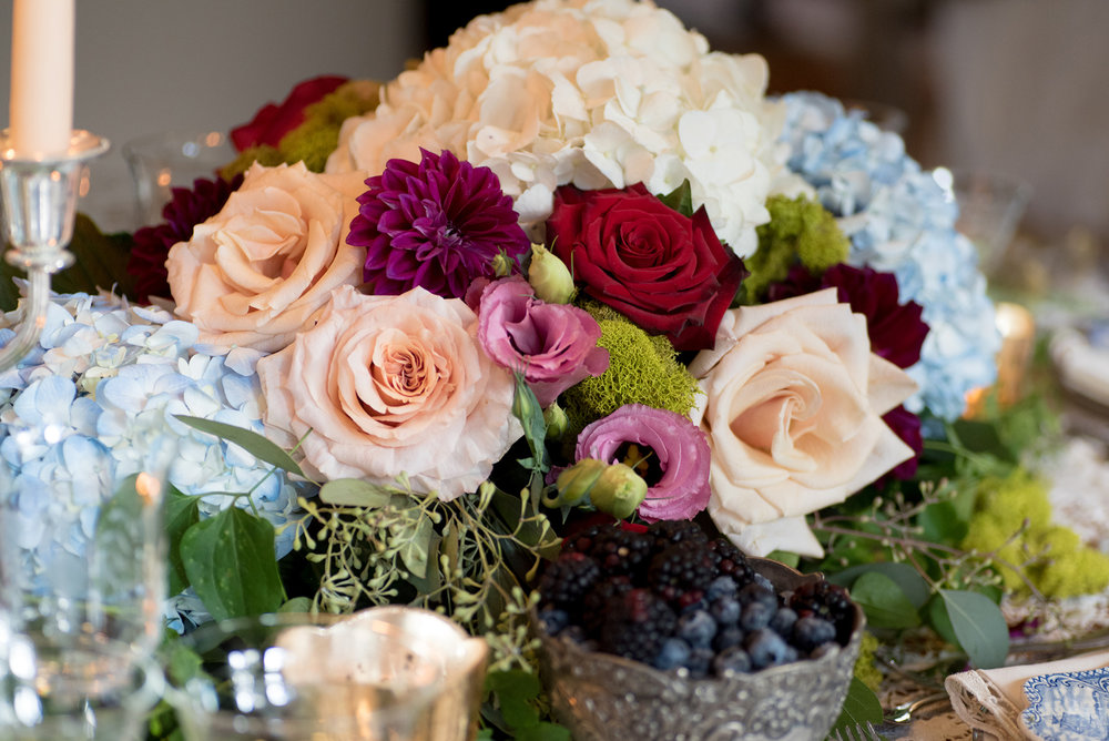event-design-table-setting-detail-moss-roses-fall-theme.jpg