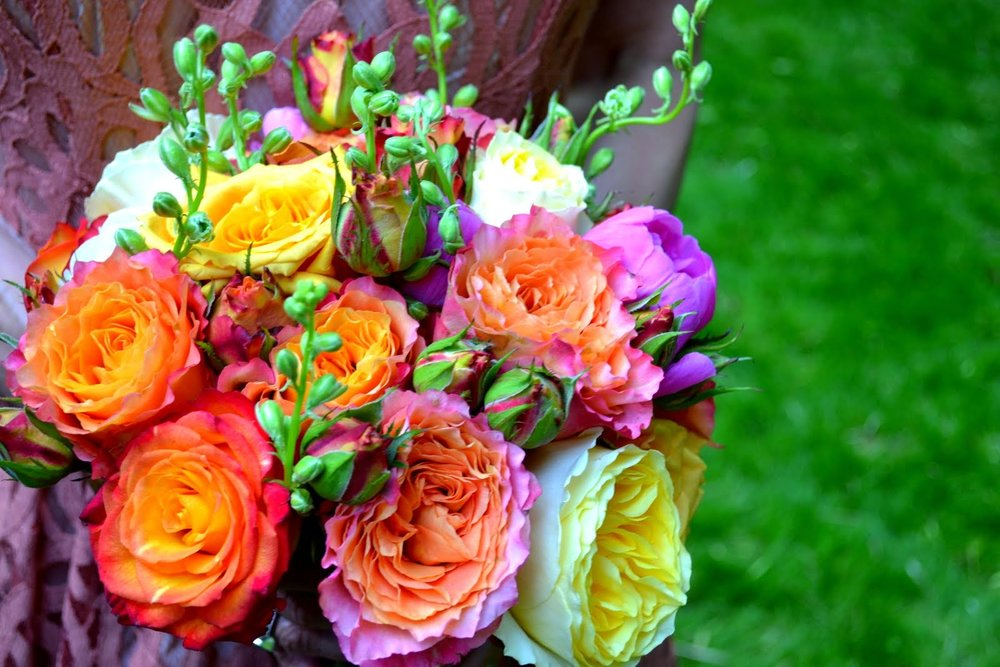 bride-bouquet-vivid-orange-purple-detail.JPG