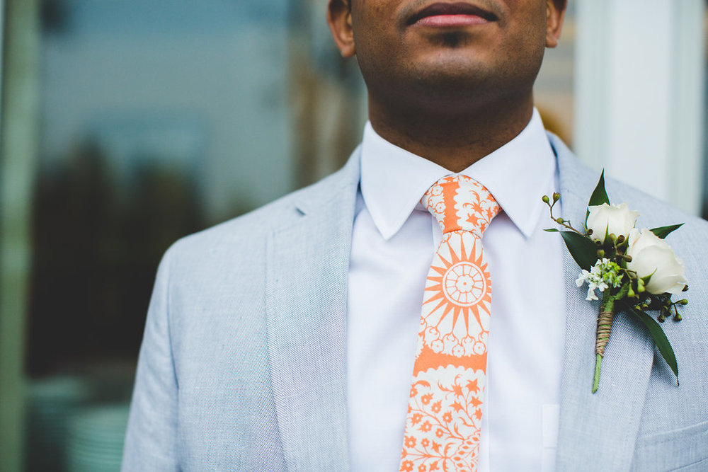 groomsmen-boutonniere-simple.jpg