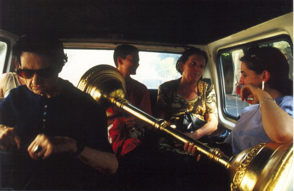 2001_Minibus_Tiflis_Foto_Katinka Bock-2.jpg