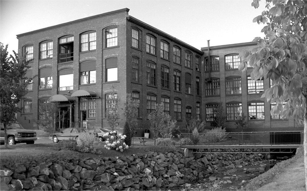 venture-carpets-building-1928.jpg