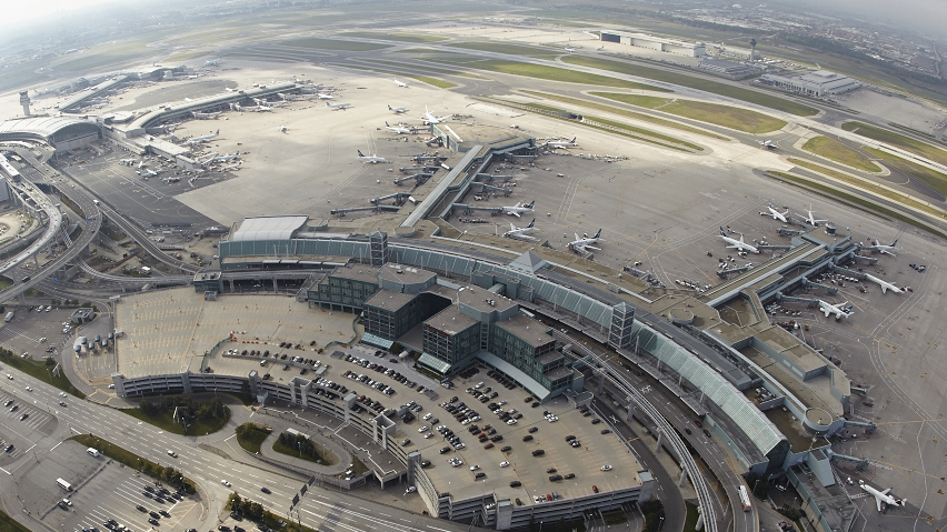 Pearson-Airport-Dual-Taxiways.png
