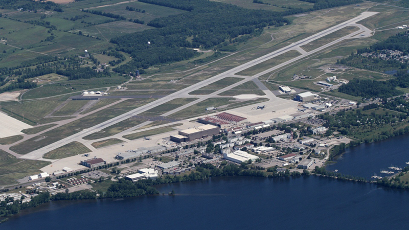 <strong>8 WING CFB</strong><p>Trenton, ON</p>