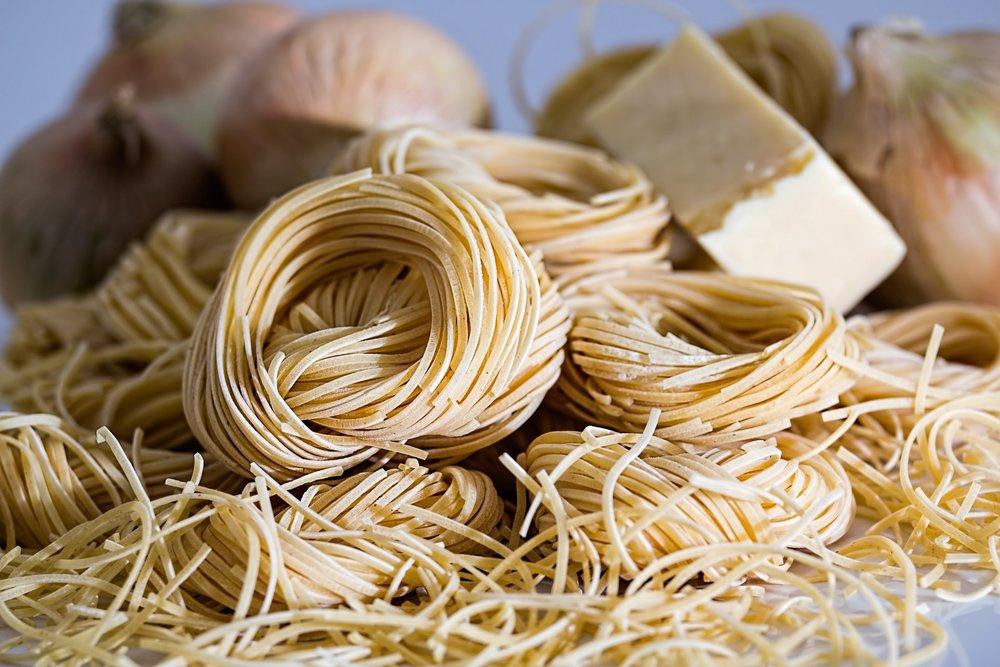 pasta-spaghetti-noodle-pasta-nests-47306.jpeg