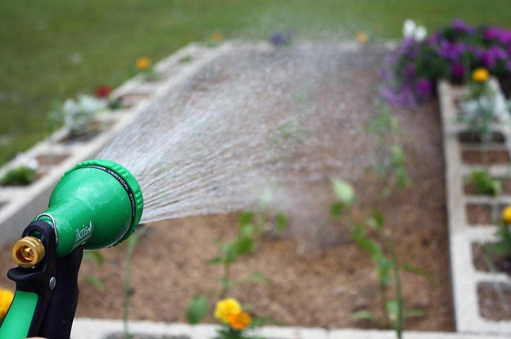 the 5 best garden hose nozzles - Best Garden Hose Nozzle
