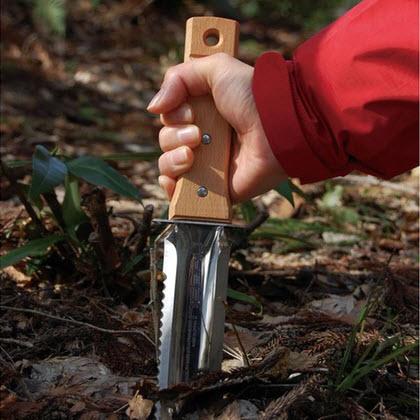 nisaku hori hori knife uses.jpg