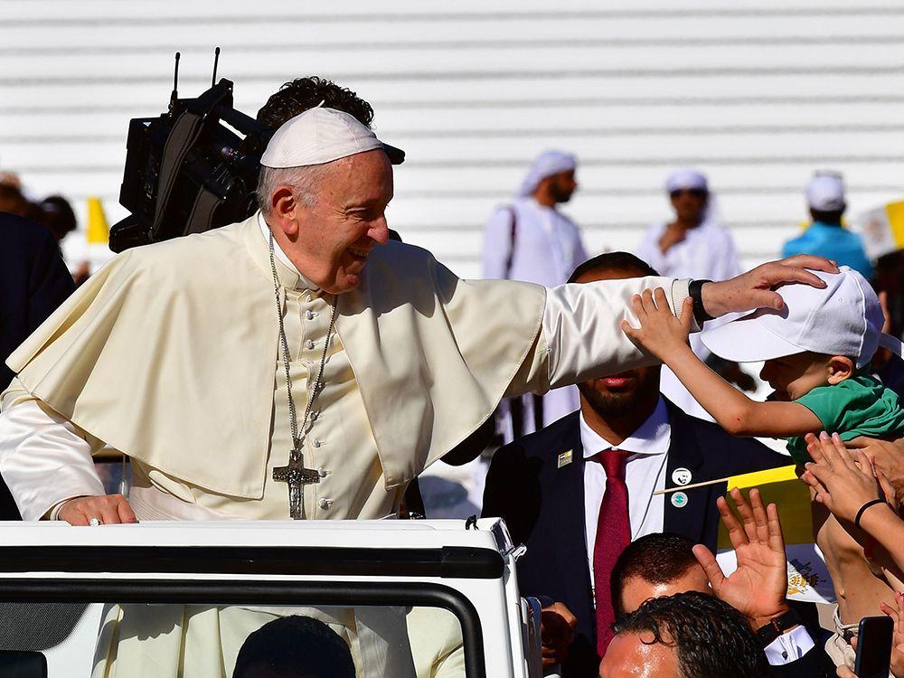 pope_and_little_boy.jpg
