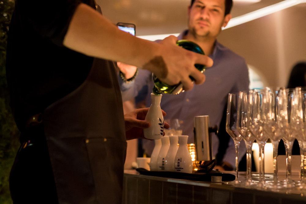 Huffington Post - Le Blossom, le petit dernier du groupe derrière le vietnamien Red Tiger et du bar à pokés Kamehameha Snack-Bar, a ouvert ses portes