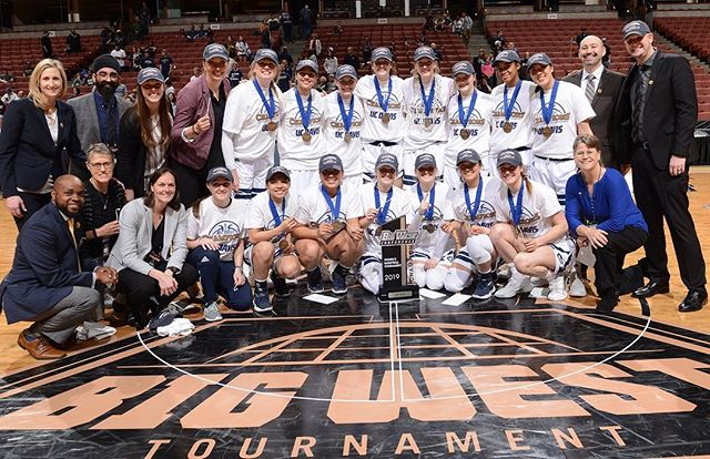 A big congrats to Coach Jen Gross and the @ucdaviswbb! They are our @bigwestconference WBB champs, and will advance to the #NCAA Tournament! Read more about their win - story in my bio. (📸: UC Davis WBB) . . . #ucdavis #MarchMadness⁠ ⁠#BigWestChamps #basketball #game #sports #aggies  #GoAgs