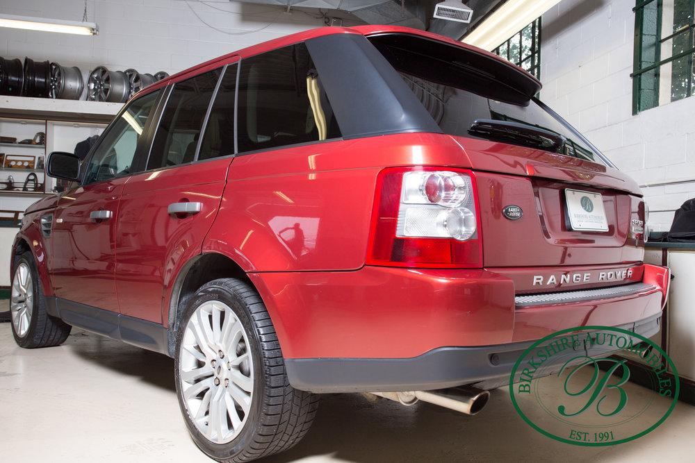 Birkshire Automobiles 2009 Range Rover Burgundy-62.jpg