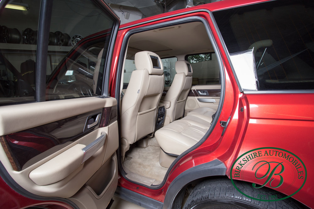 Birkshire Automobiles 2009 Range Rover Burgundy-93.jpg